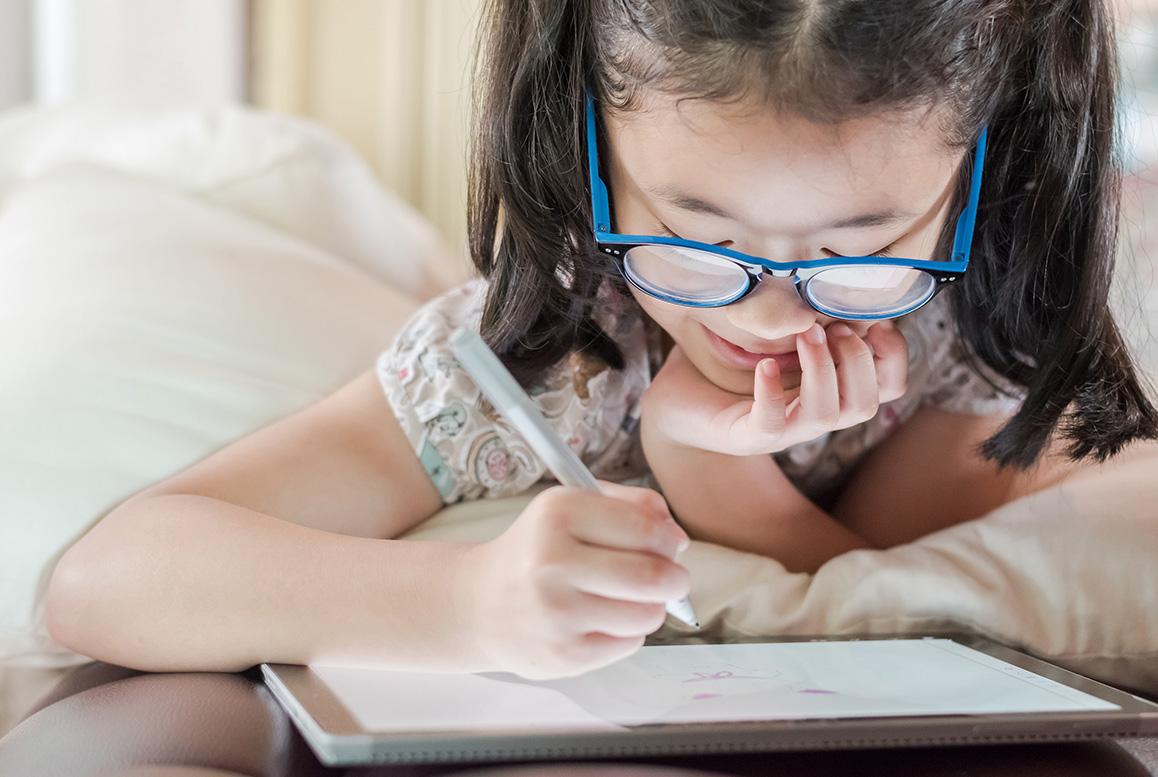 The Keys to Control Myopia in Children